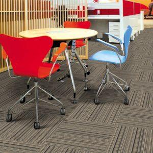 Sử dụng thảm văn phòng dạng cuộn hay dạng tấm là tốt nhất?