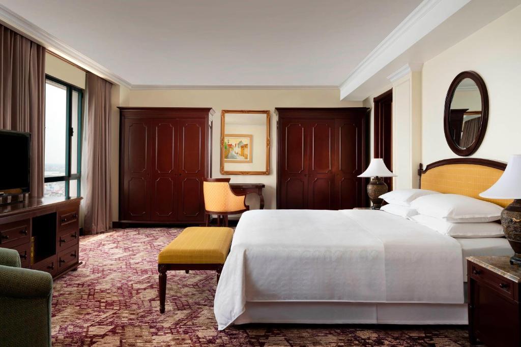 Lót thảm khách sạn